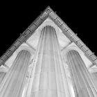 Lincoln Memorial - Corner by Pschtyckque