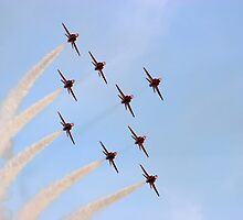 Red Arrows  -  Evening Formation by Pat Speirs