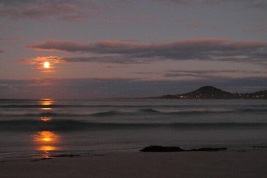 supermoon, redbill beach. eastcoast, tasmania by tim buckley | bodhiimages