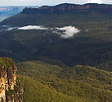 The Three Sisters - Blue Mountains - Echo Point, Australia by Greg Ting