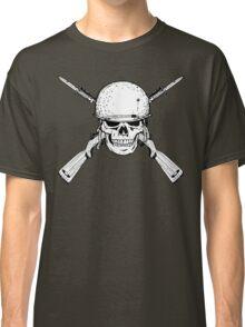 WW II M1 Carbine Jolly Roger Classic T-Shirt