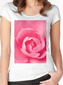 Macro Camellia Women's Fitted Scoop T-Shirt
