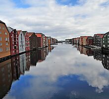 The River in Trondheim by julie08