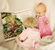 Little Girls love Robin Hood... by Qnita