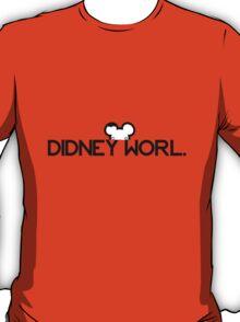 DIDNEY WORL. T-Shirt
