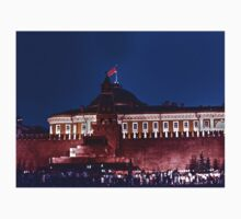 kremlin with red flag by NafetsNuarb