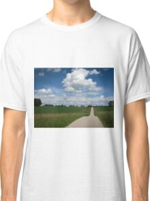 country lane with cumulus Classic T-Shirt