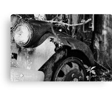 Old School Bus in Black and White Canvas Print