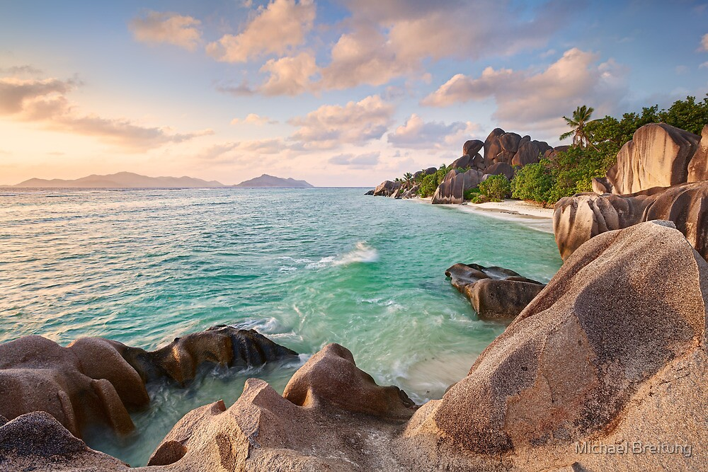 Welcome to La Digue by Michael Breitung