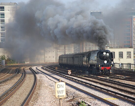 34067 &#x27;Tangmere&#x27; at Vauxhall, London by Ian Ware