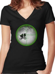 Shoot the E.T. Women's Fitted V-Neck T-Shirt