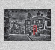 Haworth - Red Telephone Box Baby Tee