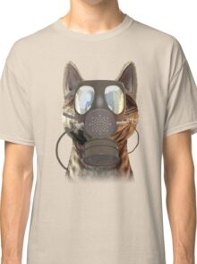 Schrödinger underestimates the cat Classic T-Shirt