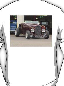 1932 FORD DEUCE ROADSTER HOTROD T-Shirt