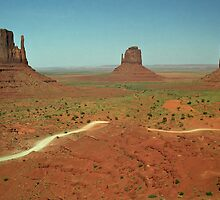 Monument Valley by Peter Hammer