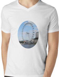 London - Eye in Britain Mens V-Neck T-Shirt