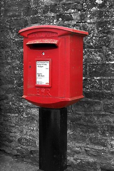Kilburn Postbox by redown