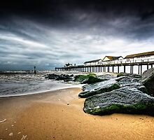 Bad Day at Southwold by hebrideslight