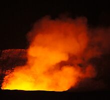 Halemaʻumaʻu Crater by Loisb
