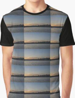 Valletta, Malta Magic Hour Skyline Graphic T-Shirt