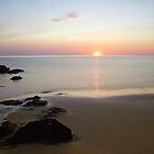 Sunset Killantringan Bay by derekbeattie
