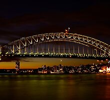 Dusk in Sydney. by Julie  White