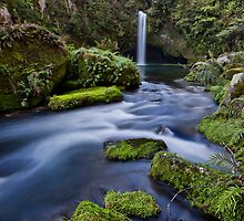 Omanawa falls drift by Ken Wright