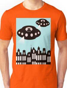 Aliens invading Amsterdam Unisex T-Shirt