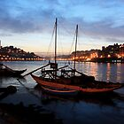 Porto by night by Mauro Rodrigues