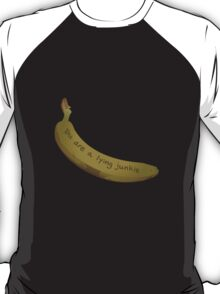 A lying Junkie   Community T-Shirt
