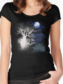 HOWLING MOON Women's Fitted Scoop T-Shirt