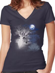 HOWLING MOON Women's Fitted V-Neck T-Shirt
