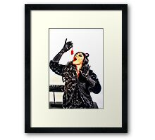 Inle' Chat Framed Print