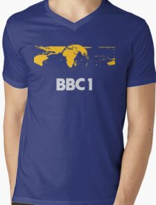 Retro BBC1 world globe ident Mens V-Neck T-Shirt