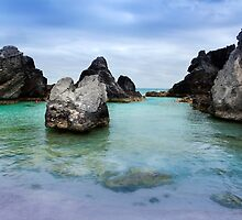 Horseshoe bay cove,Bermuda by buddybetsy