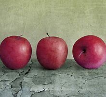 Red Apples by Simone Riley