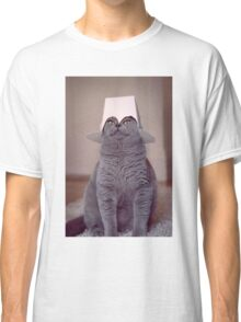 fig 1.4 - Cat with Chinese takeaway box on head Classic T-Shirt