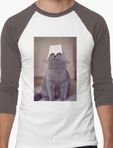 fig 1.4 - Cat with Chinese takeaway box on head Men's Baseball ¾ T-Shirt
