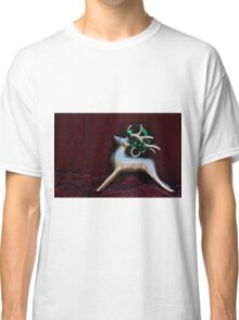 Christmas:  Silver Reindeer Floating on a Deep Red Tree Skirt Classic T-Shirt