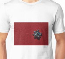 Christmas:  Silver Star on Millions of Red Sparkles Unisex T-Shirt