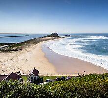 Nobby's Beach - Newcastle by Daniel Rankmore