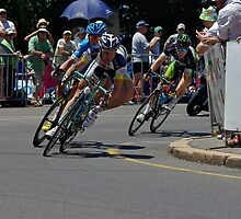 The Peleton, Stage 6, City Circuit, Tour Down Under 2012 by Steven Weeks