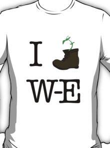 Hellllooooo, Dolly! (I Heart Wall-E) T-Shirt