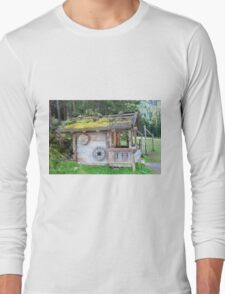 Woodman's cabin Zillertal forest near Winnertal, Tyrol, Austria Long Sleeve T-Shirt