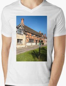 The Old Merchant's Hall, Steeple Ashton, Wiltshire, UK Mens V-Neck T-Shirt