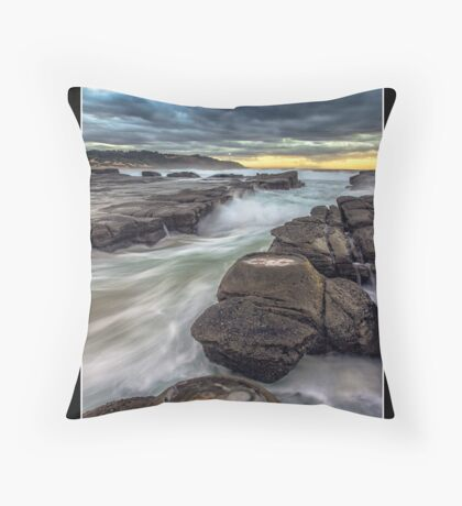 Soldiers Beach NSW, Australia Throw Pillow