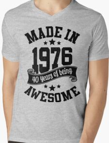 Made in 1976 , 40 Years of Being Awesome ! T Shirt , Hoodies & More ( 2016 Birthday ) Mens V-Neck T-Shirt