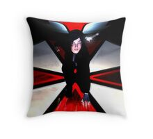 Resident Evil : Return Throw Pillow