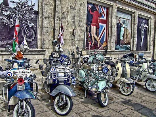 Mod scooters and 60s fashion by Jasna