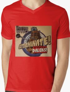 Comic style doctor who dalek  Mens V-Neck T-Shirt